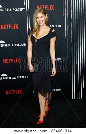 LOS ANGELES - FEB 12: Jordan Claire Robbins at the premiere of Netflix's 'The Umbrella Academy' at ArcLight Hollywood on February 12, 2019 in Los Angeles, California,