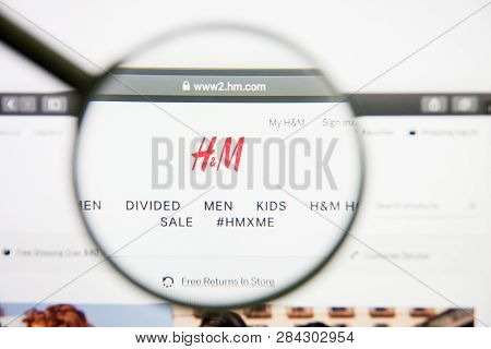 Los Angeles, California, Usa - 14 February 2019: H And M Website Homepage. H And M Logo Visible On M