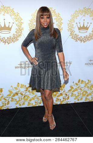 LOS ANGELES - FEB 09:  Holly Robinson-Peete arrives for the {Event} on February 09, 2019 in Pasadena, CA