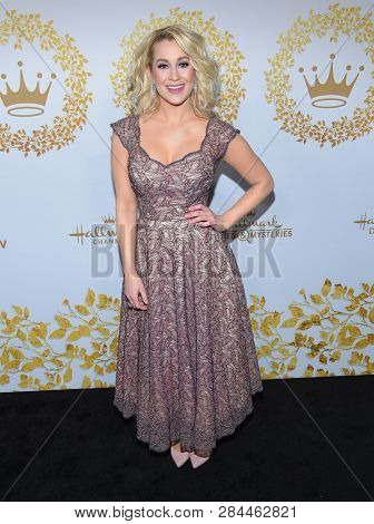 LOS ANGELES - FEB 09:  Kellie Pickler arrives for the {Event} on February 09, 2019 in Pasadena, CA