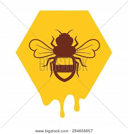 Vector Bee And Honeycomb Icon Isolated On White Background.flat Bumblebee Logo Cartoon. Honey Bee Il
