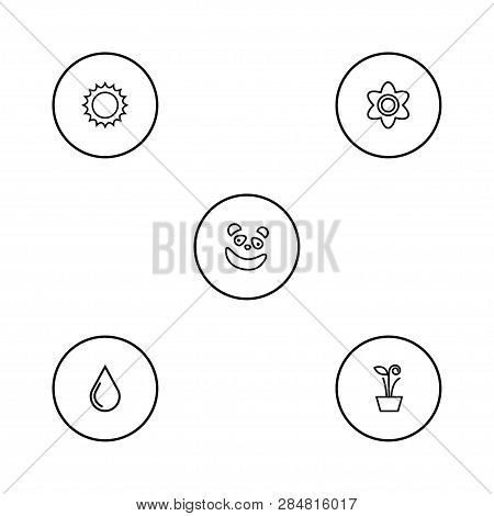 Set Of 5 Nature Icons Line Style Set. Collection Of Bloom, Flowerpot, Bear And Other Elements.