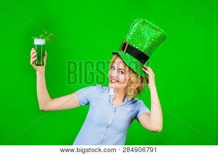 Patrick Girl. Green Top Hat. Saint Patrick's Day. Woman In Top Hat Drink Green Beer. Leprechaun. Gre