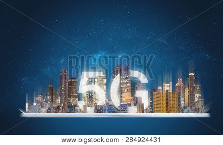 5g Internet Network In The City, Building And 5g In The City On Digital Tablet