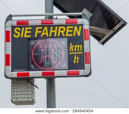 Speed Limit Pointer City You Drive German