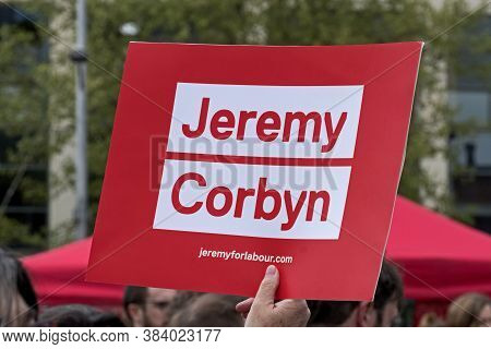 Bristol, Uk - April 29, 2017: A Placard Supporting Labour Party Leader Jeremy Corbyn At A Demonstrat