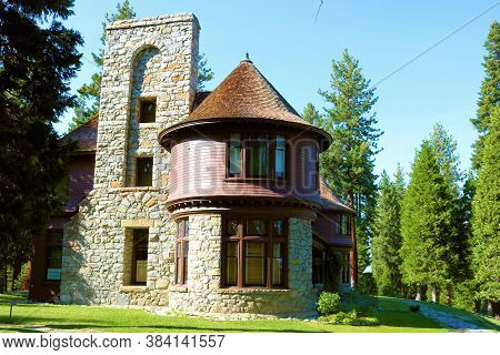 September 3, 2020 In Lake Tahoe, Ca:  Historical Hellman-ehrman Mansion Which Was Passed Onto The Ca