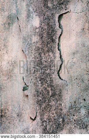 Concrete Building Cracks After Earth Quake Happened Around 3.5 Richter.