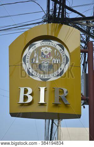 Mandaluyong, Ph - Oct 6 - Bureau Of Internal Revenue Signage On October 6, 2018 In Mandaluyong, Phil
