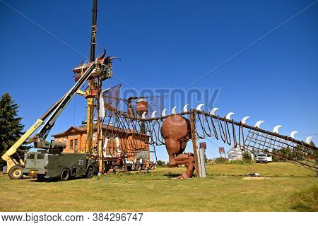 Regent, North Dakota, August 17, 2020: The Enchanted Highway Of Regent, Nd Is A Collection Of The Wo