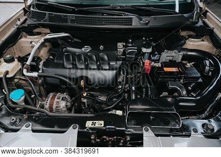 Novosibirsk, Russia - September 05, 2020: Nissan Quashqai, Closeup Of A Clean Motor Block, . Interna