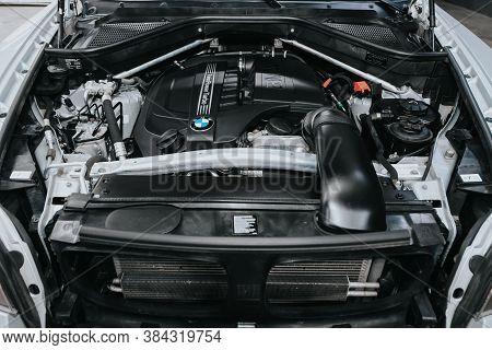 Novosibirsk, Russia - September 05, 2020: Bmw X6, Closeup Of A Clean Motor Block, . Internal Combust
