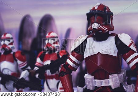 SEPTEMBER 7 2020: Clone Commander Fox and Clone Shock Troopers on Coruscant - Hasbro action figures