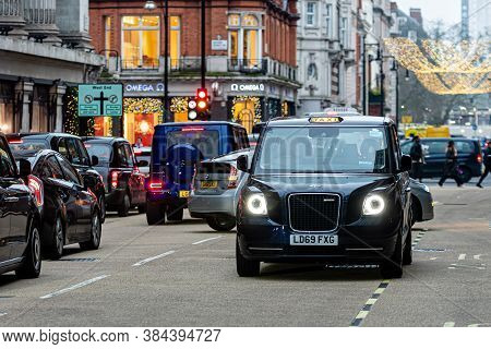 London, England, Uk - December 31, 2019: Traffic Jam In London Center With Taxi Cars In The Evening