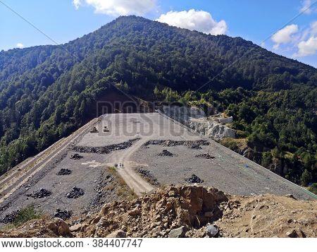 Buiding An Hydroelectric Dam On A River. Runcu Dam, Maramures