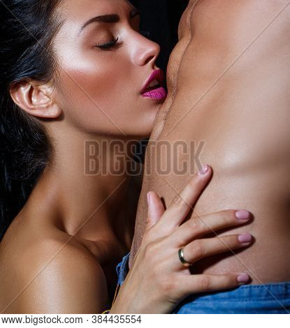 Tender Kiss. Undressed Couple In Love Hugging Passionately. Sexy Seduction. Naked Body, Nude Torso.