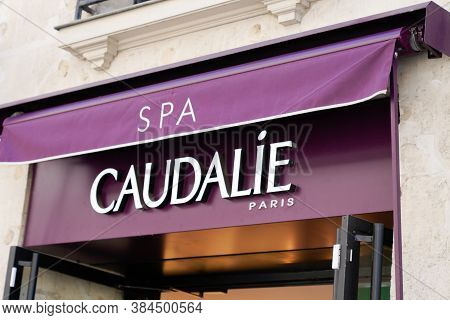 Bordeaux , Aquitaine / France - 09 01 2020 : Caudalie Spa Sign And Logo Of Green And Rational Cosmet