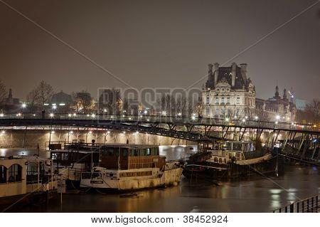 Nachtsicht des Paris Frankreich.