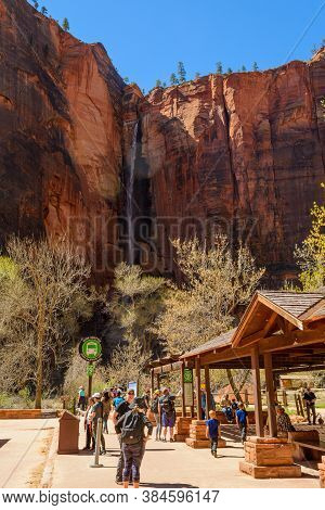 Utah, Usa - April 7,2019: Tourists In Zion National Park Located In The Usa In Southwestern Utah.