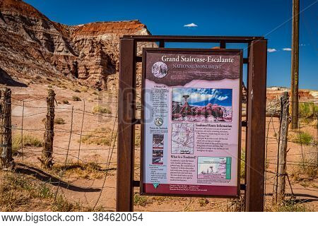 Kane County, Utah / Usa - June 12, 2020: The National Park Service Sign Marking The Entrance To The