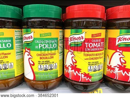 San Leandro, Ca - Sept 4, 2020: Grocery Store Shelf With Knorr Brand Chicken Flavor Bouillon And Tom