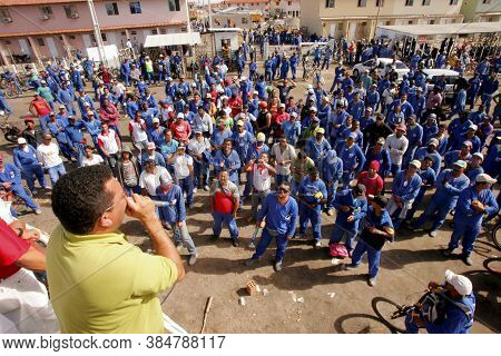 Eunapolis, Bahia / Brazil - August 23, 2010: Construction Workers Are Seen During An Assembly With A