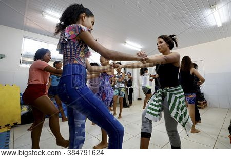 Lauro De Freitas, Bahia / Brazil - October 21, 2019: Students From Vida Nova Municipal School In Lau