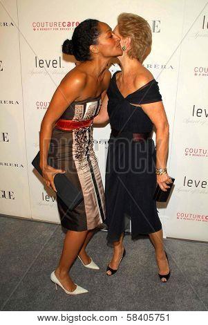 OS ANGELES - NOVEMBER 13: Tracee Ellis Ross and Carolina Herrera at the opening of the Carolina Herrera Los Angeles Boutique at Carolina Herrera on November 13, 2006 in Los Angeles, CA.