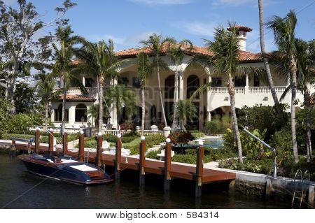 Luxury House On Millionaires Row