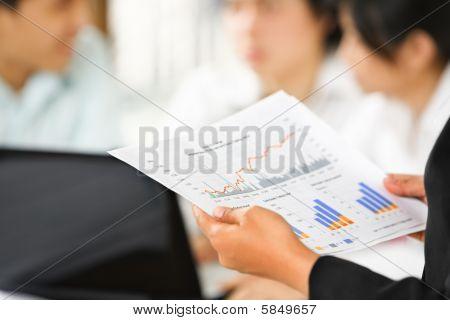 Prüfung von Graphen mit weiteren Benutzern am Hintergrund