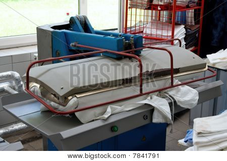 Drying And Ironing Rolling Press