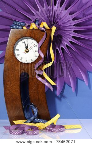 Happy New Year Five To Midnight Time Countdown With Crazy Crooked Legs Vintage Wood Mantel Clock Wit