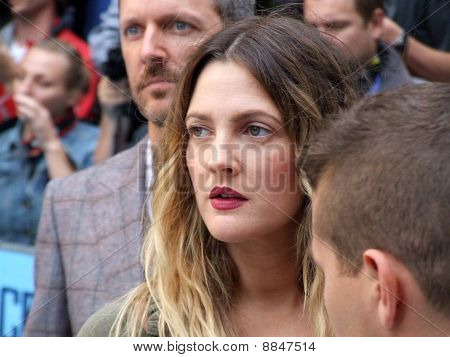 Drew Barrymore At Going The Distance Premiere In Central London 19Th August 2010
