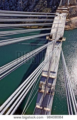 Construction of concrete arch bridge