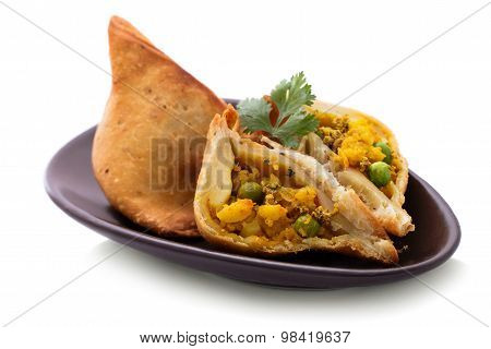 Delicious Sliced Indian Samosa