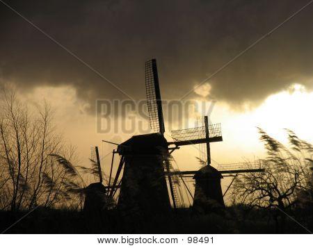 Dutch Windmills In  Kinderdijk 2