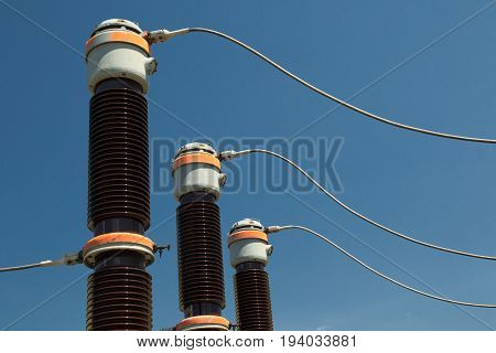 High voltage isolation with ceramic body on blue sky