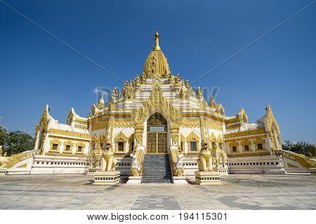 Buddha Tooth Relic Pagada or Swe Taw Myat Pagoda beautiful Burmese temple and one of famous attraction in Yangon (Rangoon) Myanmar