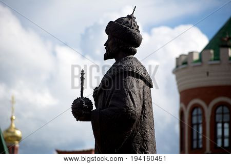 Photo of the Monument to Tsar Fedor I Ioannovich performed in profile