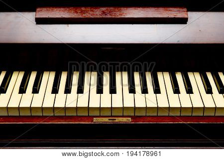 Antique Piano - Piano Keys - Front View