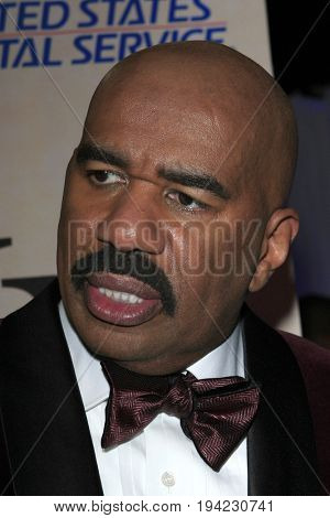 LOS ANGELES - FEB 1:  Steve Harvey at the Bellafortuna Entertainment NAACP Gifting Suite at Shrine Auditorium on February 1, 2013 in Los Angeles, CA