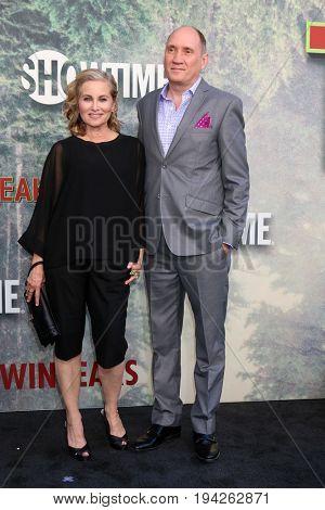 LOS ANGELES - MAY 19:  Maureen McCormick, Michael Cummings at the