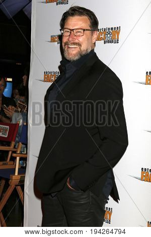 LOS ANGELES - JUL 6:  Dean McDermott at the Garlic And Gunpowder Premiere at the TCL Chinese 6 Theaters on July 6, 2017 in Los Angeles, CA
