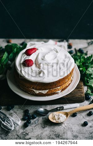 Strawberry sponge cake making