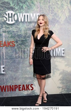 LOS ANGELES - MAY 19:  Amanda Seyfried at the