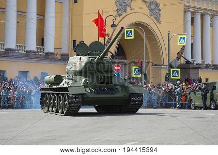 SAINT-PETERSBURG, RUSSIA - MAY 09, 2017: The legendary Soviet T-34 tank on the Victory Day parade