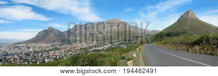 TABLE MOUNTAIN AND LIONS HEAD, CAPE TOWN, SOUTH AFRICA