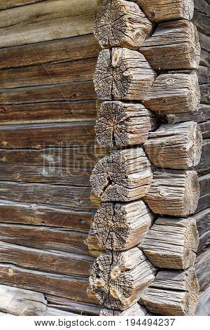 Binding place or corner of ancient tree log wall of a farmhouse