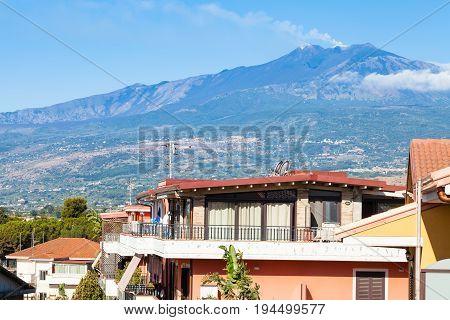 Residential Houses In Giardini Naxos And Etna