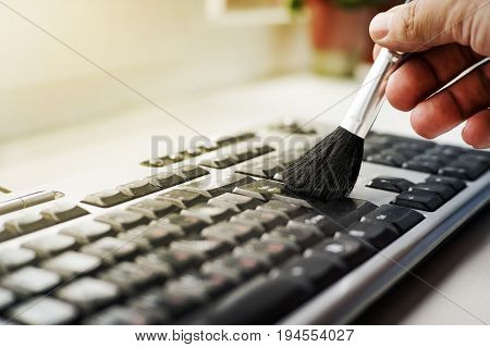 Cleaning Keyboard From Dust
